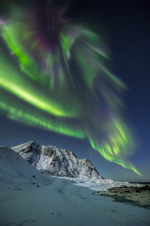 Køb Auroras gone crazy av Frank Olsen
