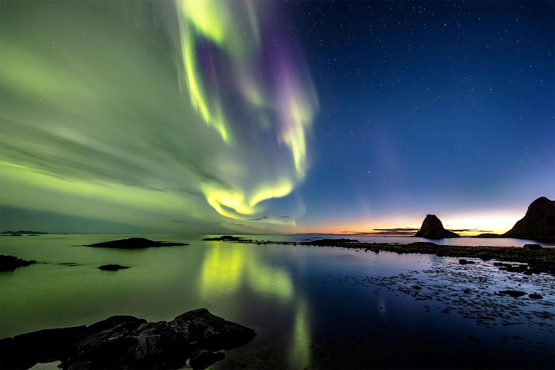Køb Autumn Auroras av Frank Olsen
