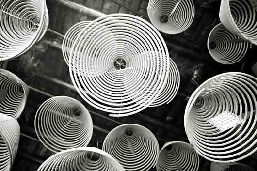 Looking up makes me dizzy av Julie Aucoin