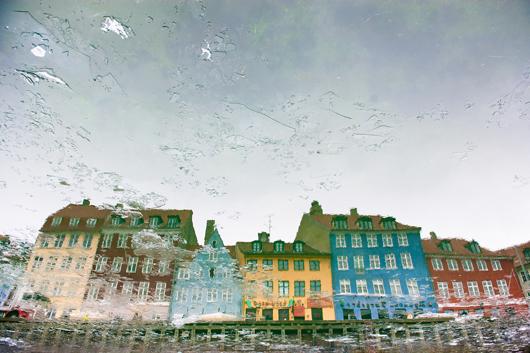 Reflection in Copenhagen av Julie Aucoin