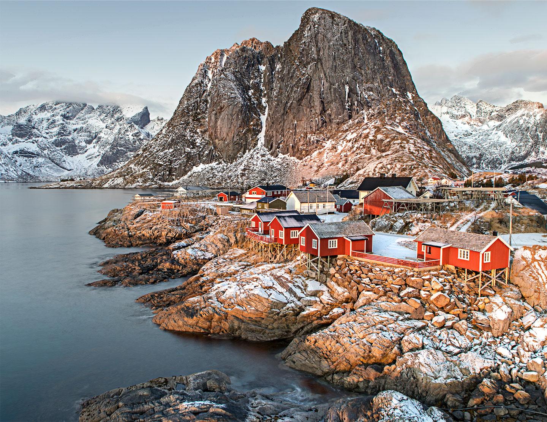 Køb Lofoten Village av Frank Olsen